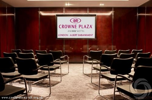 crowne_plaza_london_albert_embankment