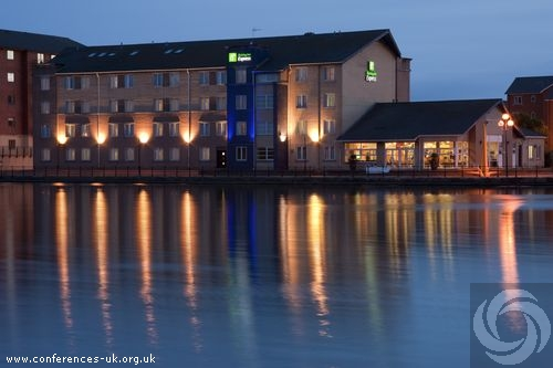 Express by Holiday Inn Cardiff Bay