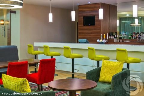 hampton_by_hilton_london_luton_airport