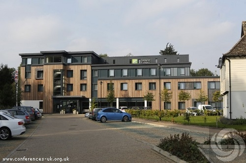 holiday_inn_express_cambridge-duxford