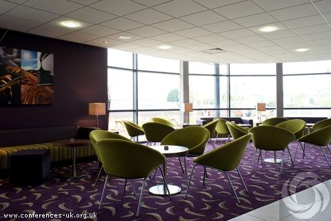 holiday_inn_express_dunstable