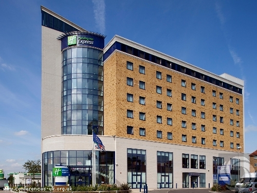 holiday_inn_express_london_newbury_park