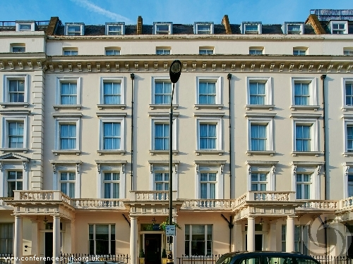 Holiday Inn Express London Victoria-Main