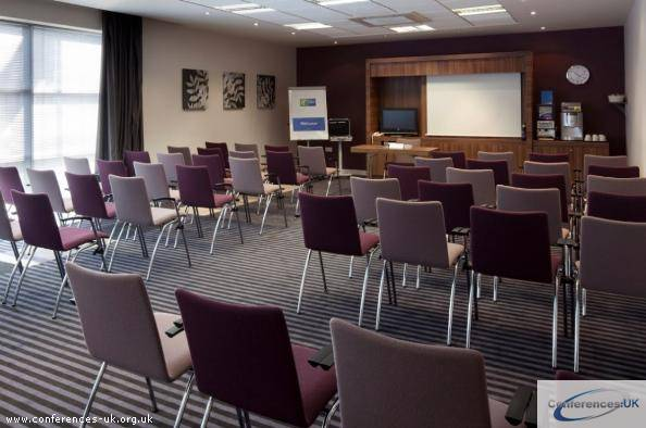 Holiday Inn Express Walsall M6 J10