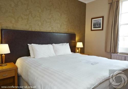 manor_hotel