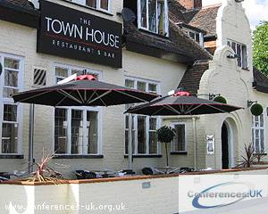 town_house_restaurant_and_bar