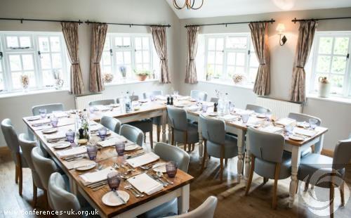tudor_farmhouse_hotel_and_restaurant