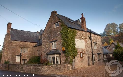 tudor_farmhouse_hotel_and_restaurant